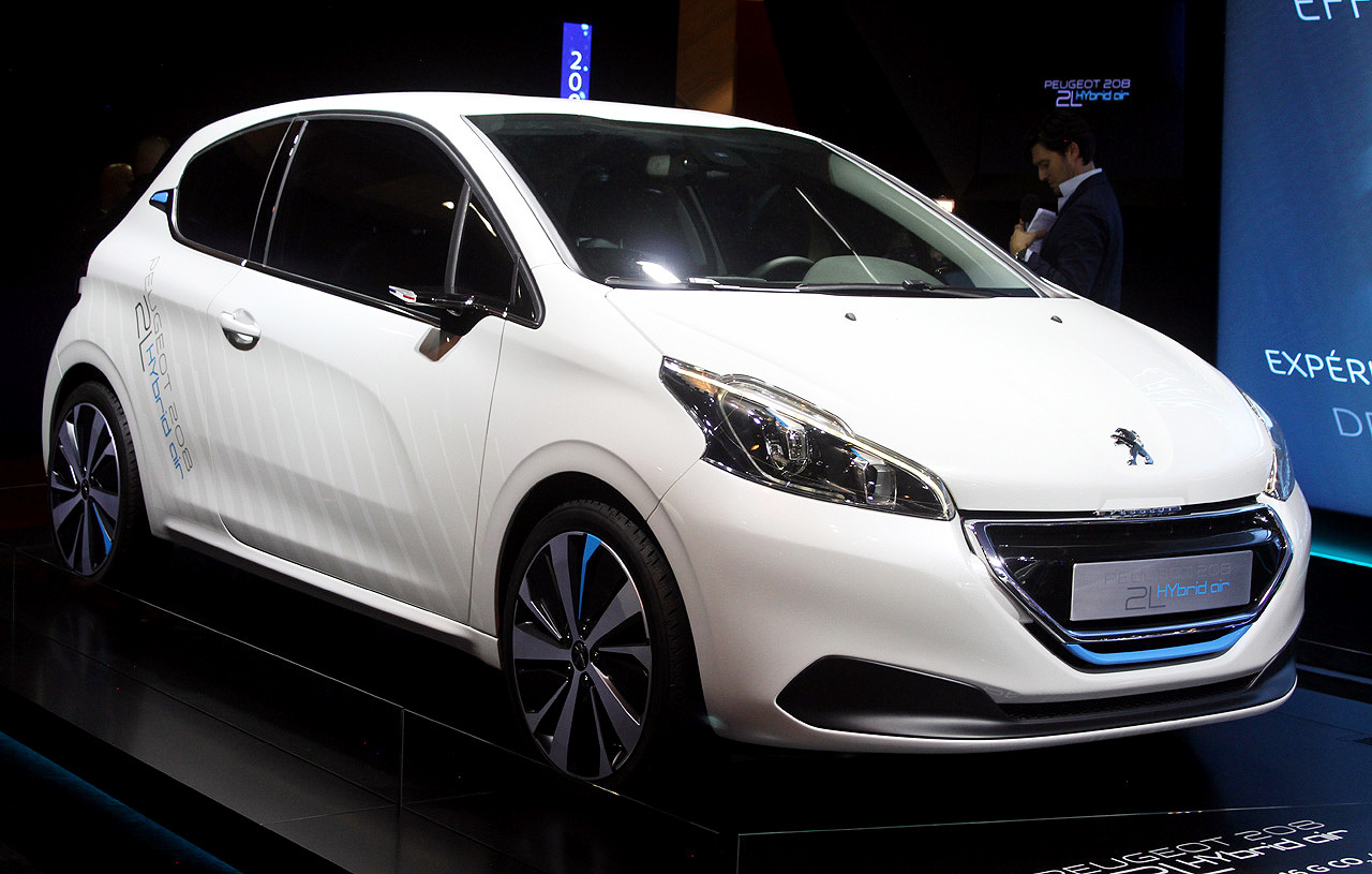 peugeot-208-hybrid-air-01-1