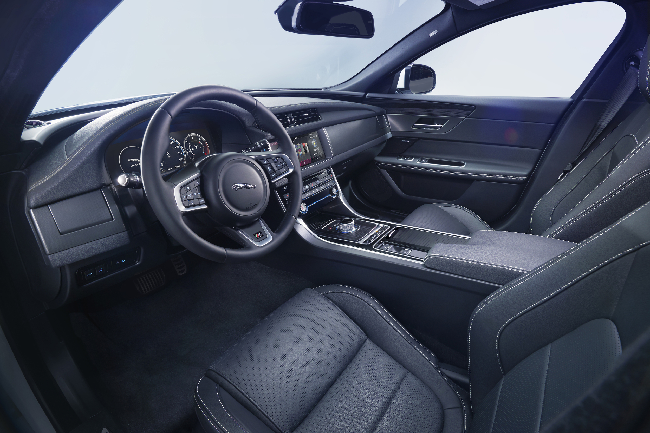 jaguar xf 2016 interior