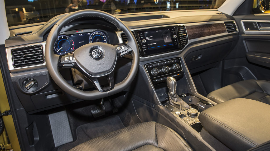 VW Atlas 2016 interiör
