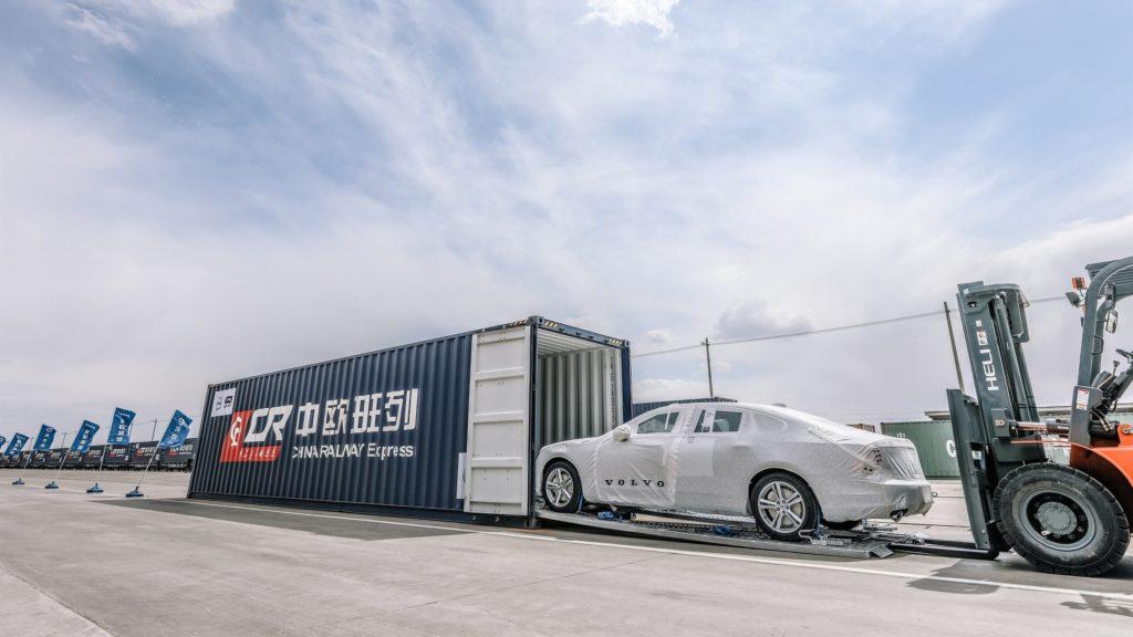 Volvo S90 på väg till Belgien